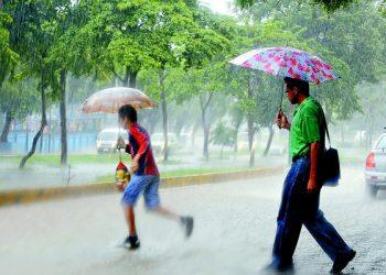 Onda tropical número 46 se hará sentir hoy viernes en la tarde en Nicaragua, provocando lluvias. Foto: Internet.