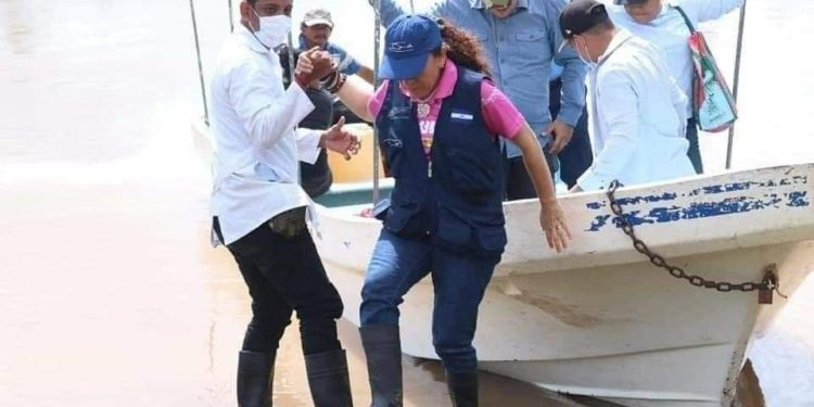 Régimen intenta «lavarle la cara» a la sancionada Sonia Castro con la emergencia de Iota. Foto: Gobierno.