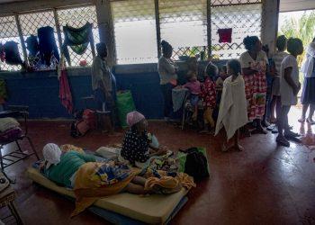 Continúa recolecta de ayuda humanitaria para afectados por los huracanes Iota y Eta. Foto: Artículo 66/ EFE.