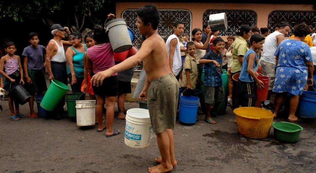Con esta reforma, la dictadura de Ortega ha eliminado la posibilidad de que los usuarios participen en la gestión del agua, y los ha reducido a nivel de «cliente». Foto: Artículo 66 / EFE.
