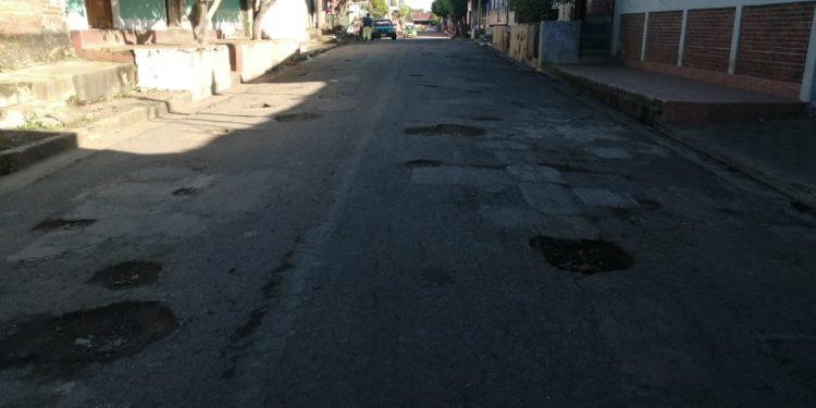 Calles de Masaya en mal estado pero alcaldía prioriza luces navideñas. Foto: Noel Miranda / Artículo 66