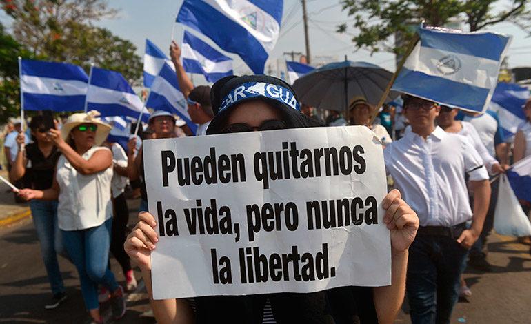 En vigencia «Ley Mordaza» y leyes represivas cierran círculo amenazante contra oposición y prensa independiente. Foto: Internet.