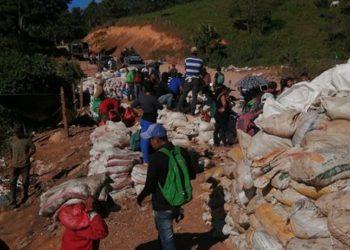 Otro derrumbe en una mina artesanal deja al menos tres fallecidos y varios soterrados. Foto: Internet.
