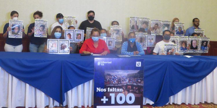 Familiares de reos exigen «¡Navidad sin presos políticos!» en Nicaragua. Foto: Noel Miranda/ Artículo 66.
