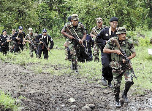 Campesinos de El Fajardo, Río San Juan, denuncian persecución y amenazas de la Policía y el Ejército. Foto: La Prensa.