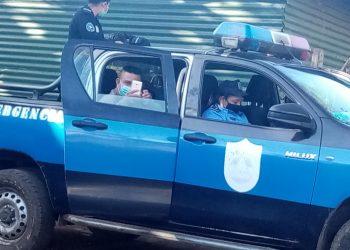 Policía arrecia asedio contra opositor que coordina campaña de ayuda para el exreo político «don Justo». Foto: Cortesía.