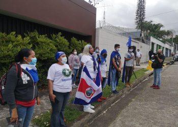 Nicas exiliados en Costa Rica exigen a ACNUR beligerancia ante extrema pobreza que sufren. Foto: Nicaragua Actual