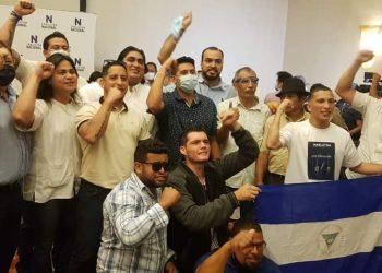 Grupo de exreos políticos solicitan pertenecer a la Coalición Nacional. Foto: Artículo 66 / Cortesía