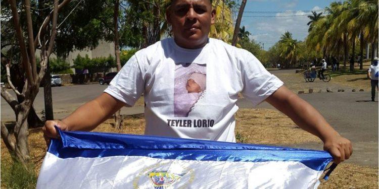 Padre del niño Teyler Lorío con dificultades para conseguir un empleo debido a su posición contra el régimen. Foto: Artículo 66 / Twitter