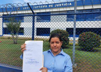 Abogada Martha Molina recurre por inconstitucionalidad contra nueva Ley de aguas. Foto: Cortesía.