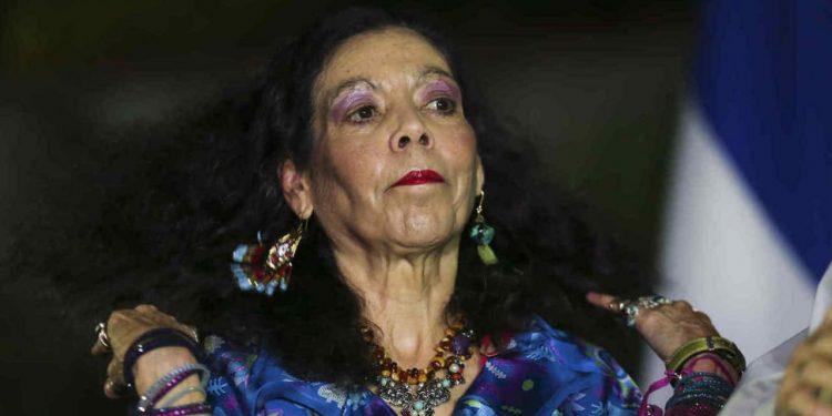 Rosario Murillo se autoproclama «inteligente» en comparación con los opositores. Foto: Internet,