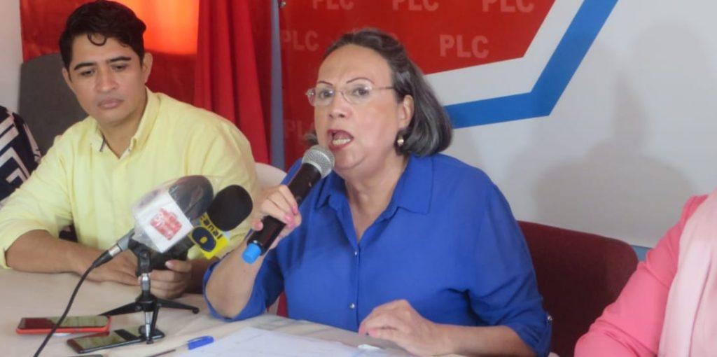 María Haydée Osuna «descabeza» a cuatro diputados de la facción arnoldista. Foto: Artículo 66 / Noel Miranda