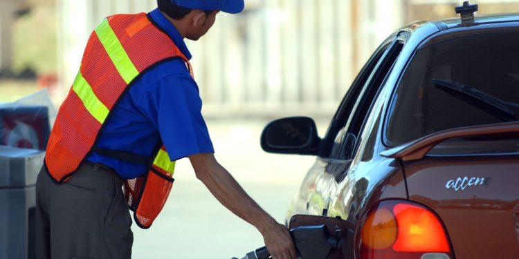 Precio del combustible en Nicaragua sigue al alza por once semanas consecutivas. Foto: Internet.