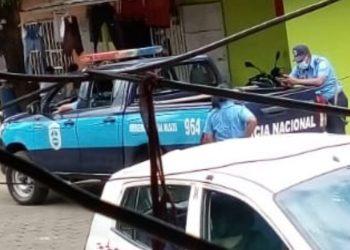 Policía mete en su listas de asedios a hermana del preso político de Masaya Norlan Cárdenas . Foto: Artículo 66 / Cortesía