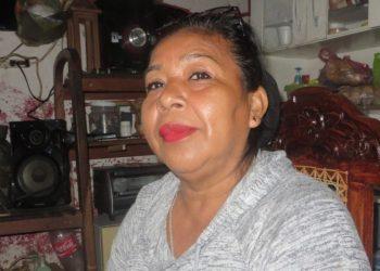 Persiste asedio y amenazas contra la opositora de Masaya Yolanda González. Foto: Artículo 66 / Noel Miranda