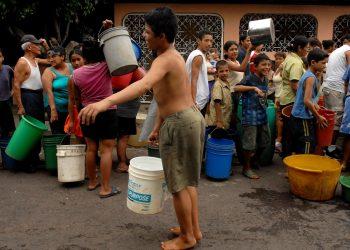 Recurren por inconstitucionalidad contra Ley de Aguas Nacionales. Foto: Artículo 66/ EFE.