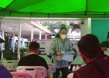 Régimen sigue tratando de lavarle la cara a los sancionados. Sonia Castro en «marketing» con la prueba de COVID-19. Foto: Artículo 66.