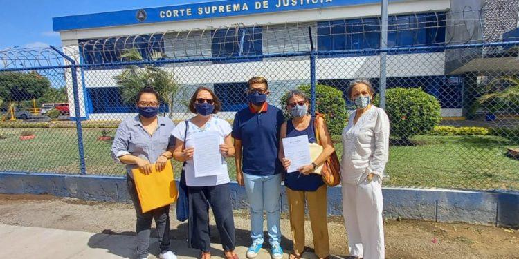 Feministas presentan recurso contra Ley de Ciberdelitos por pretender «callar lo que ocurre en Nicaragua». Foto: Noel Miranda/ Artículo 66.