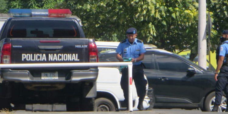 Policía amenaza y agrede en «espionaje ilegal» contra periodistas. Foto: Noel Miranda/ Artículo 66.