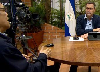 Néstor Avendaño da cátedra de economía a oficialista y le «empalma» que sin solución política no hay reactivación
