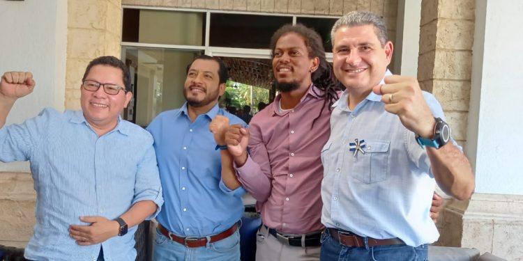 Cuatro aspirantes a la presidencia se comprometen a trabajar por la democracia de Nicaragua. Foto: Artículo 66 / Noel Miranda