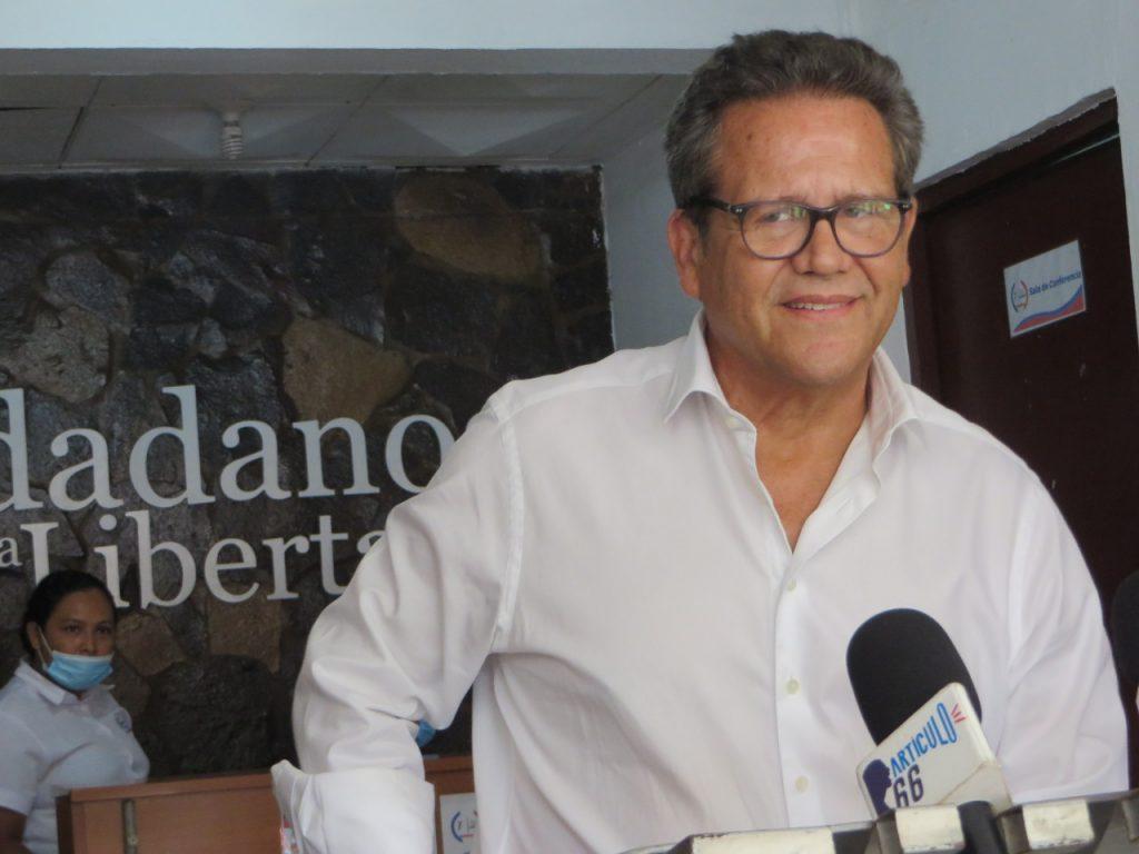 Arturo Cruz asegura que no está jugando «el juego de nadie» sino que tiene el compromiso de ser un «candidato opositor real». Foto: N. Miranda/Artículo 66