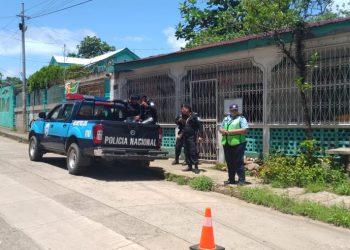 Persiste asedio policial en casa de la periodista Kalúa Salazar. Foto: Artículo 66 / Nicaragua