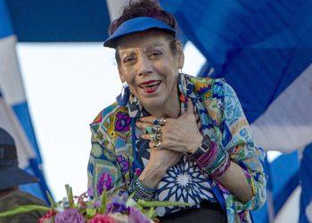 Rosario Murillo dice que su régimen es símbolo en atención a la salud. Foto: Internet