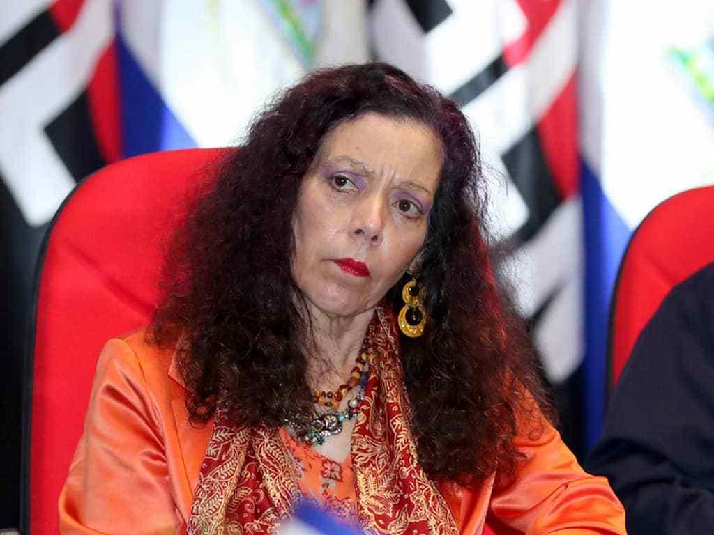 Rosario Murillo vuelve a sus ataques a la oposición y los llama «elites» que cometieron fraudes al estado durante los gobiernos anteriores. Foto: Internet.