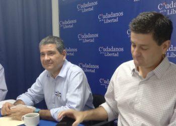 Juan Sebastián Chamorro sostiene reunión con Alianza Ciudadana para una posible candidatura en la casilla 15. Foto: Noel Miranda/ Artículo 66.