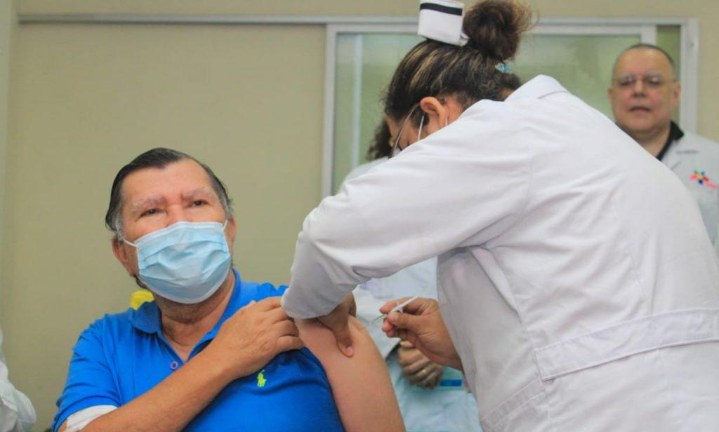 Régimen arranca vacunación «voluntaria» contra el COVID-19 sin plan de vacunación público. Foto: Gobierno.