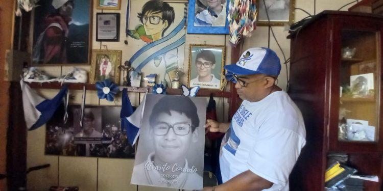 «Recuerdo como si fuera ayer el asesinato de mi hijo» relata el padre de Alvarito Conrado. Foto: Artículo 66 / Noel Miranda