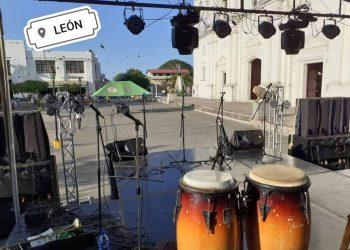 Estructura metálica colapsa en Poneloya y lesiona a dos integrantes del grupo «Los Hermanos Cortez» . Foto: Ilustrativa. Tomada de Facebook