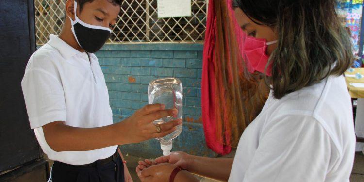 Comité Científico pide a la población reforzar precaución ante presencia de variantes más agresivas de COVID-19 en Centroamérica. Foto: Internet.