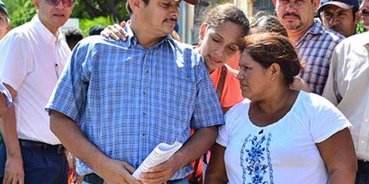 Doña Chica Ramírez y Medardo Mairena se reúnen en Costa Rica donde dejaron claro que el Movimiento Campesino no tiene candidato. Foto: Internet.