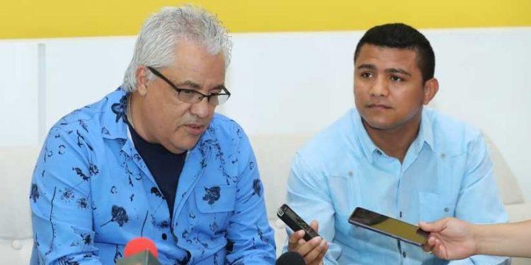 El cantante y predicador cristiano Danny Berrios viola el octavo mandamiento . Foto: Medios oficialistas.