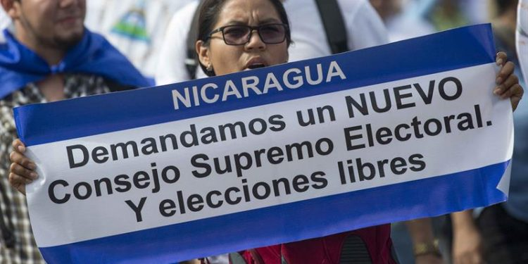 Arturo Cruz : «Hay que tomarle la palabra al régimen» y pide incidir en nombramientos y reforma electoral. Foto: Internet.