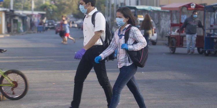 Mientras en Nicaragua el régimen promueve aglomeraciones, OPS lanza alerta a toda América, ante posible aumento de contagios de COVID-19 en jóvenes. Foto: Internet.