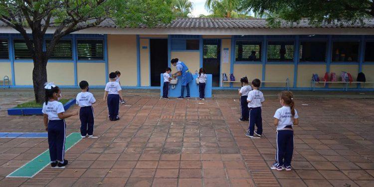 Tercer colegio en Managua que cierra por contagios de COVID-19. Foto: Tomada de Facebook