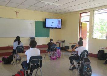 Colegio Pureza de María suspende clases por contagios de COVID-19. Foto: Artículo 66 / Facebook