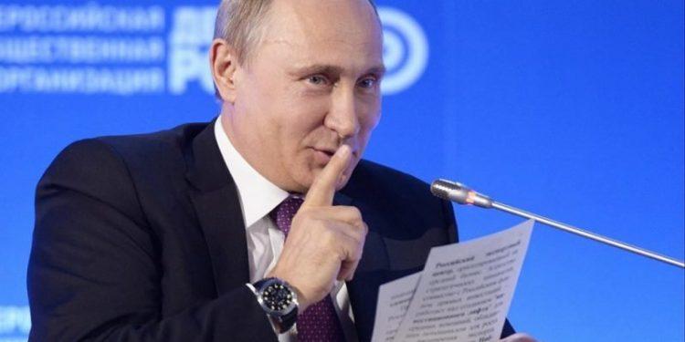 Presidente ruso Bladimir Putin promulga Ley que le garantiza mantenerse en el poder hasta el 2036. Foto: Internet.