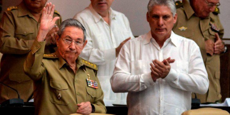 Raúl Castro Ruz, el heredero de la dictadura de su hermano Fidel anuncia su retiro oficial del poder. Foto: Internet.
