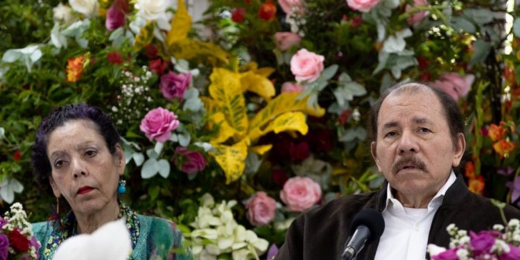 Periodista salvadoreño a Daniel Ortega: «Los verdaderos herederos de la revolución están encarcelados y te van a derrotar de todas formas». Foto: CCC.