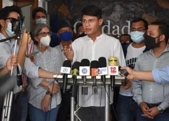 «Lesther está enfermo» denuncia madre del líder estudiantil. Foto: Noel Miranda/ Artículo 66.