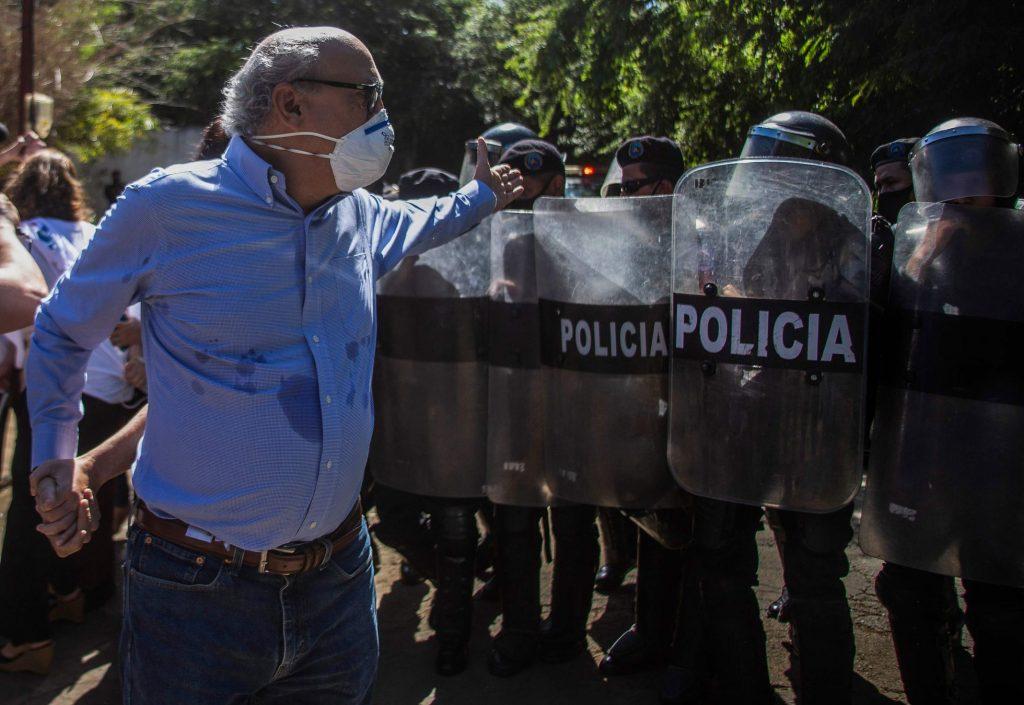 Carlos Fernando Chamorro sale del país por creciente acoso del régimen de Ortega