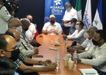 Movimiento Campesino y FDN se reúnen con la Alianza Ciudadana para lograr «humo blanco». Foto: Artículo 66 / CxL