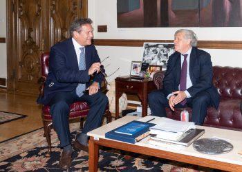 Precandidato presidencial Arturo Cruz se reúne con Luis Almagro. Foto: Tomada de Twitter.