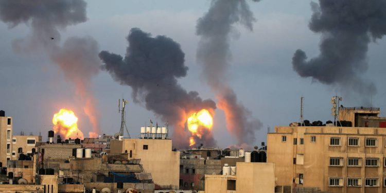 Judíos y palestinos «se masacran» a punta de cohetes en Israel, 119 muertos, de ellos 31 niños y más de 800 heridos en 5 días . Foto: Internet.