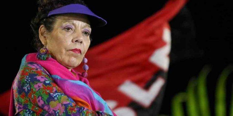 Rosario Murillo en su discurso «de paz y amor» amenaza con un «que nadie se atreva a jugar con la paz». Foto: Internet.