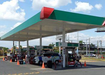 Combustibles bajarán de precio por segunda vez en el año, luego de alzas imparables. Foto: Artículo 66 / Noel Miranda